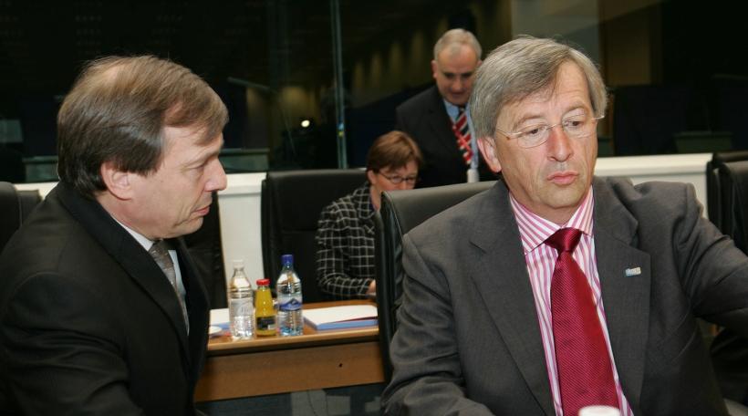 Reunion informelle ECOFIN - Premier Ministre, Jean Claude Juncker et Jeannot Krecke, Ministre de l'economie, le 14/05/2005 photo SIP/Luc Deflorenne