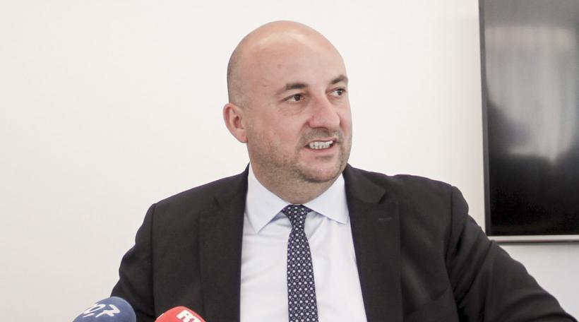 Etienne Schneider
