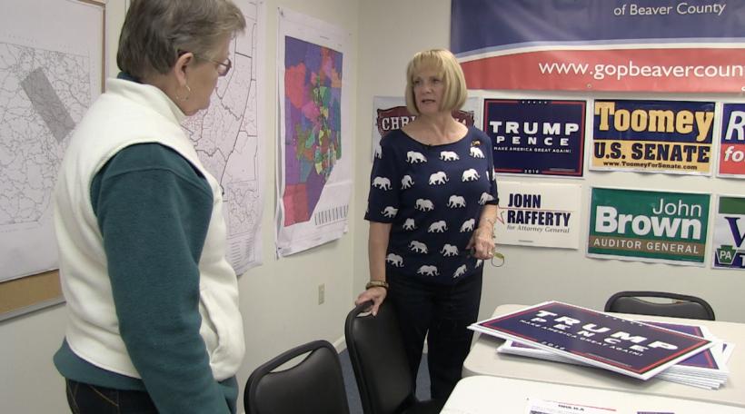 D'Carla Yacoviello verkeeft Trump-Schëlter