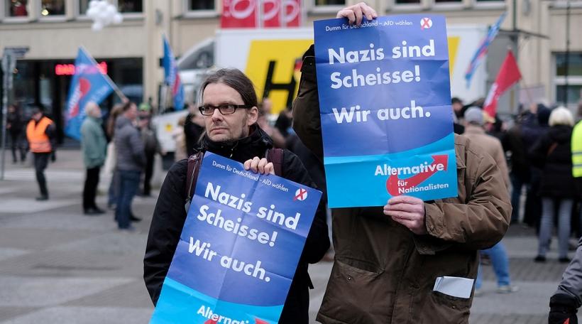 """""""Mir däerfe keng Mauer bauen a soen: Mir - déi Jonk, Liberal, Lénk. A si - déi Rietsextrem..."""" (picture alliance / Axel Heimken)"""