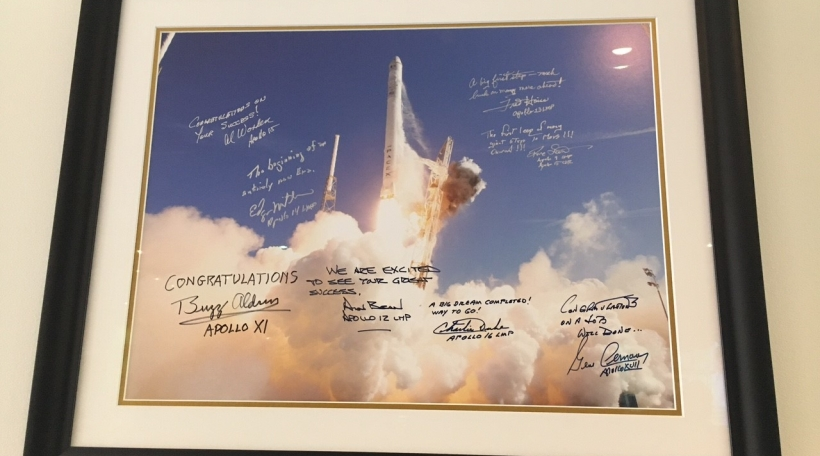 Ënnerschrëfte vun Astronauten am Weltall