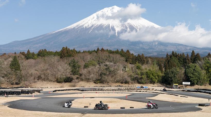 thirty-six-views-of-mount-fuji-22-akayaki-kamiide.jpg