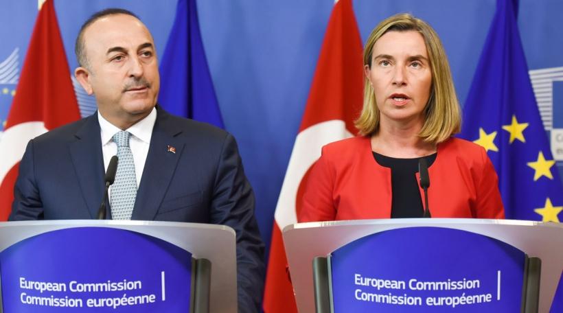 Mevlüt Çavuşoğlu a Federica Mogherinibei Pressekonferenz