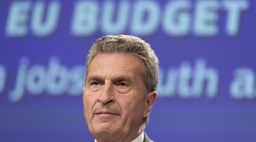De Günther Oettinger, EU-Kommissär fir de Budget (Foto: Thierry Monasse / picture alliance)