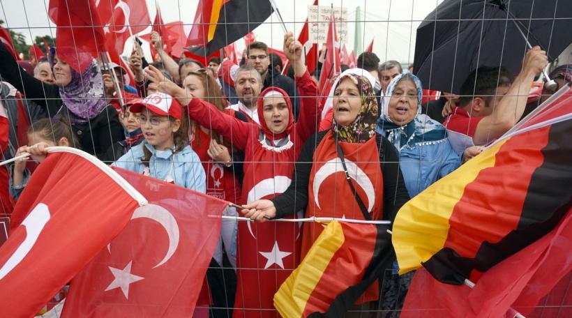 Pro-Erdogan-Manif-zu-Köln.jpg