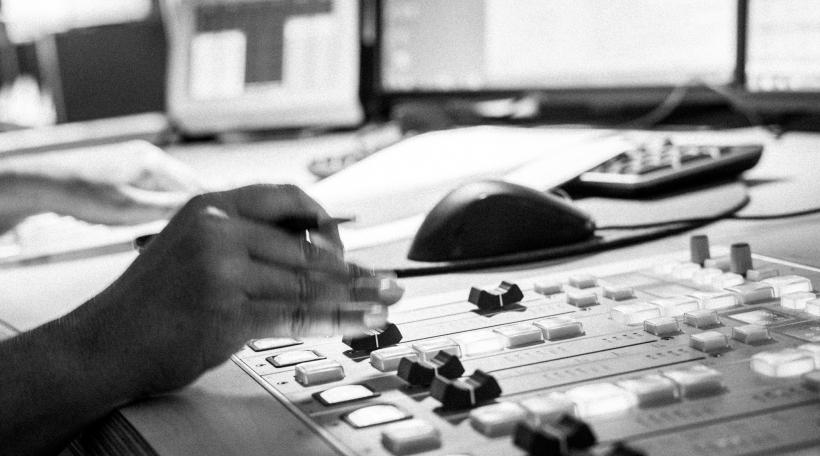Am Studio vum radio 100,7