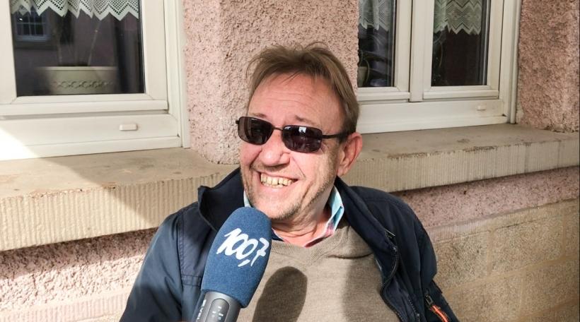 De Luc (60) ass Belge a wunnt bei Beefort.