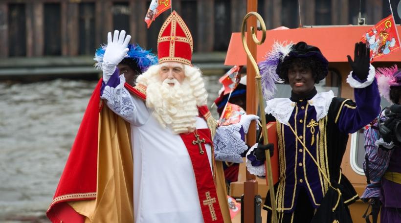 De Sinterklaas mam Zwarte Piet