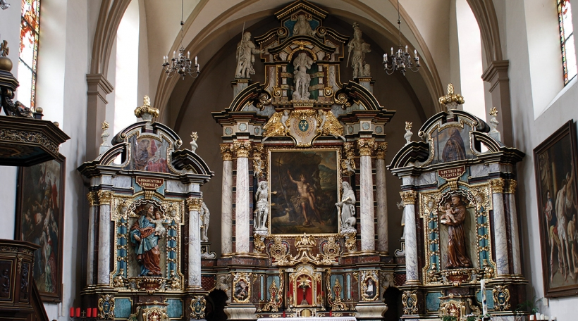 Den Altor an der Abteikierch Neimënster © Neimënster