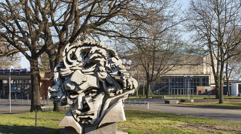 Beethovenhalle-Bonn.jpg
