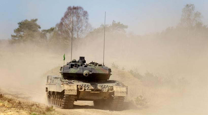 E Leopard-Panzer bei engem Manöver zu Münster