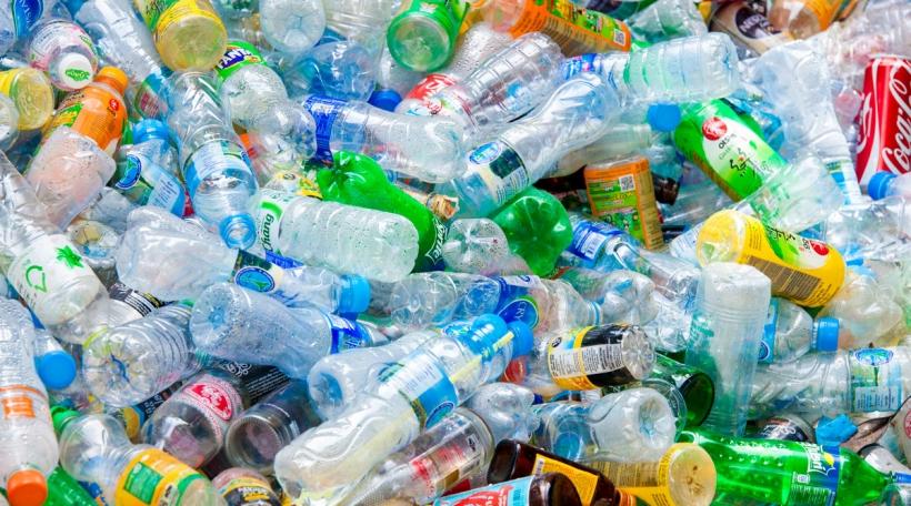 Plastiksfläschen
