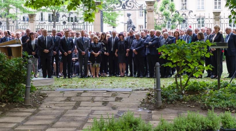 Offiziell Gedenkzeremonie fir Camille Gira