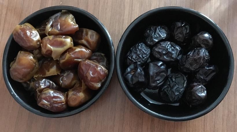 Dattelen, déi am Ramadan vill giess ginn. Foto: Françoise Keller.