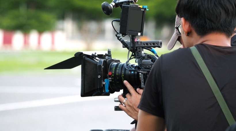 Symbolbild Film-Freelance. Foto: Bigstock / gnepphoto.