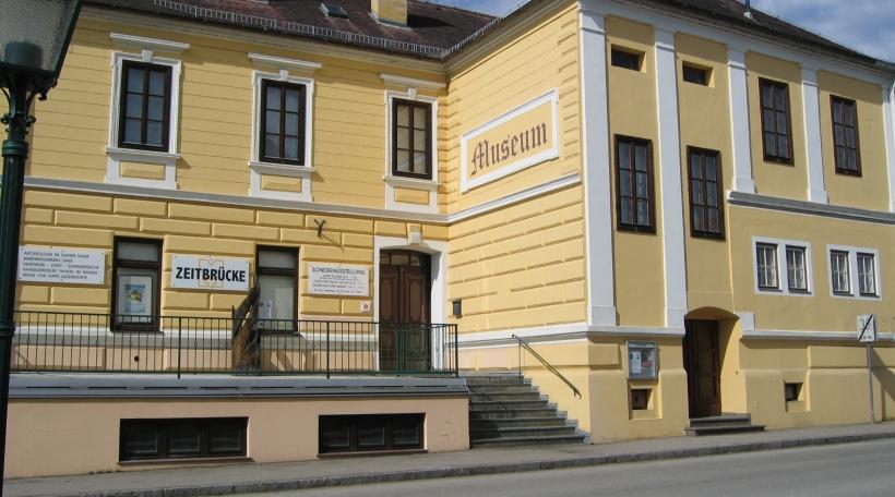 Zeitbrücke-Museum-Gars-am-Kamp.JPG
