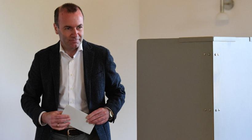 De Manfred Weber huet zu Wildenberg seng Stëmm ofginn. Foto:picture alliance / Photoshot