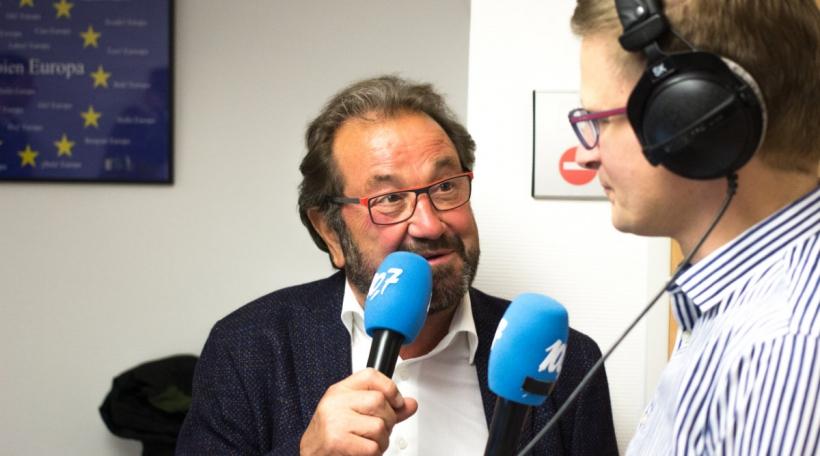 D'ADR krut trotz iwwer 10 Prozent kee Sëtz am Europaparlament, de Gast Gibéryen ass trotzdem zefridden