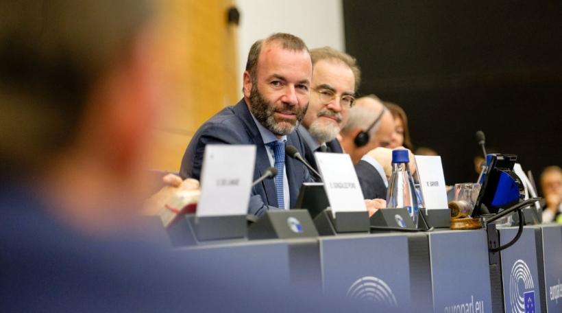 Fir den Europadeputéierte Manfred Weber ass kloer: D'EU huet net méi de Lead. Foto: manfredweber.eu