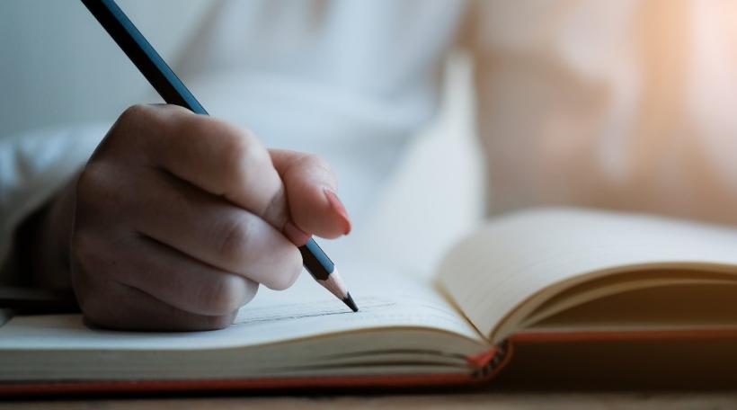 Mir schreiwen zesummen eng Geschicht. Foto: Bigstock / Mercigod