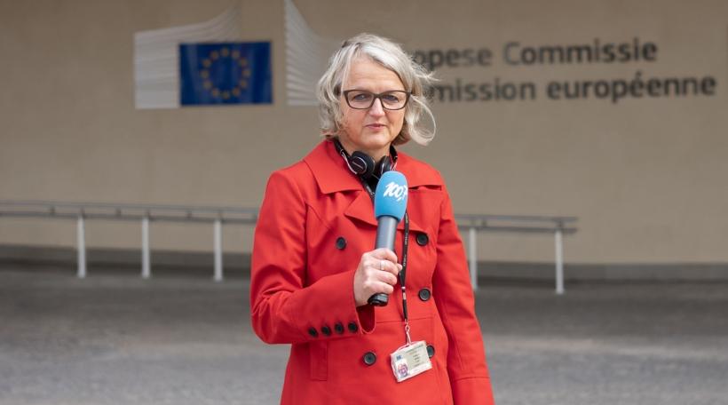 Danièle Weber virum Kommissiounsgebei zu Bréissel