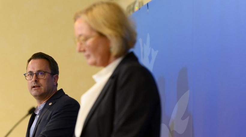 (de g. à dr.) Xavier Bettel, Premier ministre, ministre d'État ; Paulette Lenert, ministre de la Protection des consommateurs, ministre de la Santé