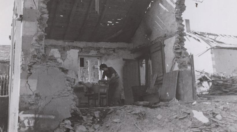 """Ons zerschloen Dierfer"": Der Wiederaufbau Luxemburgs (1944-1960)"