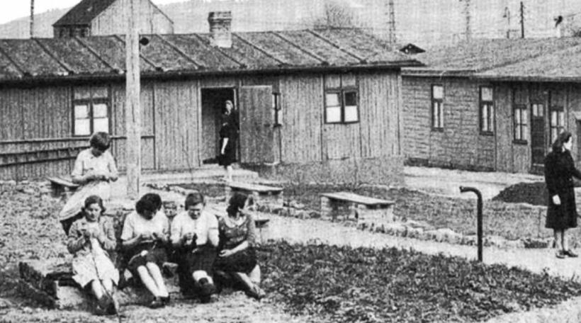 Illustratioun Sowjetesch Zwangsaarbechterinnen zu Lëtzebuerg