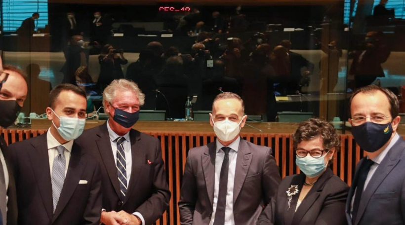 Jean Asselborn avec les ministres des Affaires étrangères de l'Irlande (Simon Coveney), de la Slovénie (Anže Logar), de l'Italie (Luigi di Maio), de l'Allemagne (Heiko Maas), de l'Espagne (Arancha Gonzáles Laya), et de Chypre (Nikos Christodouli.jpg